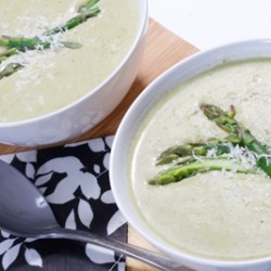 Cream of Asparagus and Roasted Garlic Soup