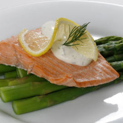 Steamed Salmon with Creamy Dill Sauce