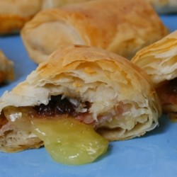 Ham and Brie Phyllo Bites